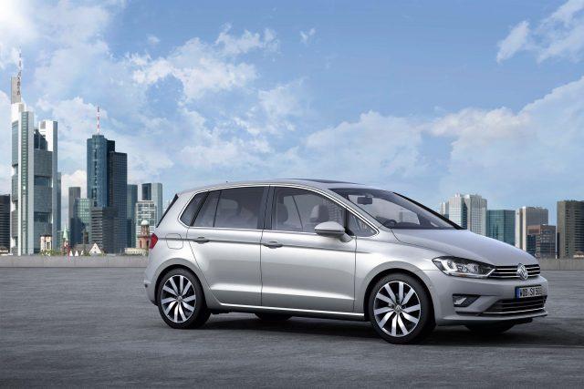 Mark VII Volkswagen Golf Sportsvan - front, silver