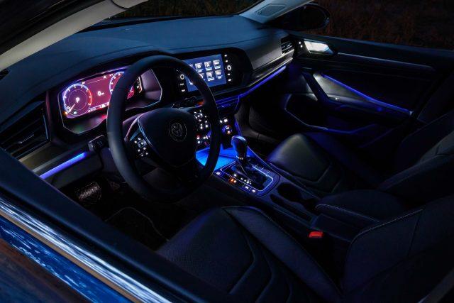 2019 Volkswagen Jetta - configurable ambient lighting (blue)