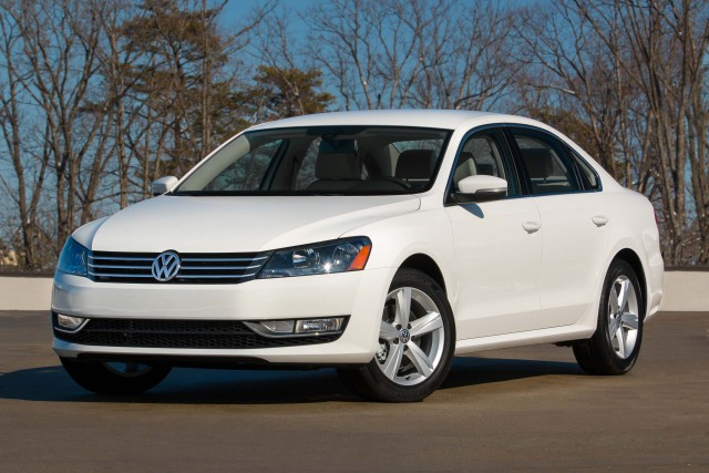 B7 NMS Volkswagen Passat Limited Edition (2015) - white, front