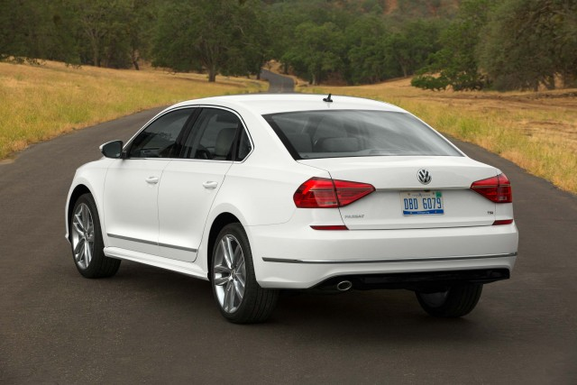 B7 NMS Volkswagen Passat R-Line facelift - rear