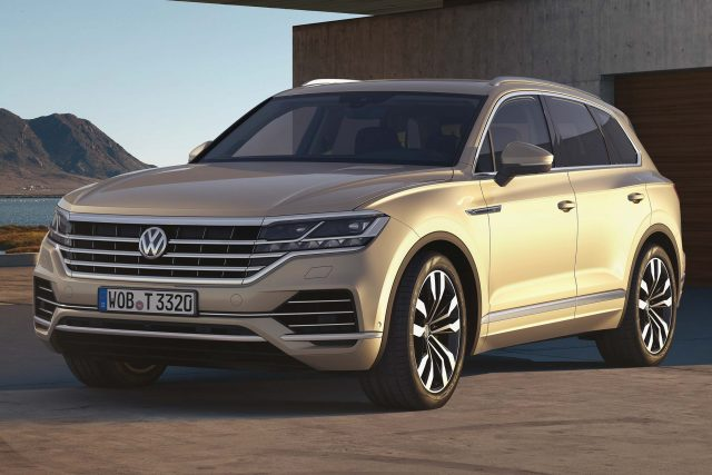 volkswagen touareg 2018 third generation photos between the axles. Black Bedroom Furniture Sets. Home Design Ideas
