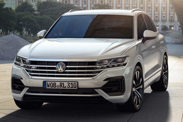 2018 Volkswagen Touareg R-Line - front, white
