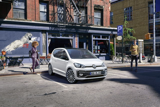 2018 Volkswagen Up R-Line