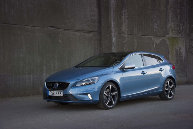 next volvo v40 coming to the usa hybrid confirmed between the axles. Black Bedroom Furniture Sets. Home Design Ideas