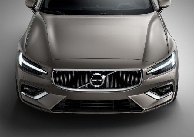 2018 Volvo V60 - grille