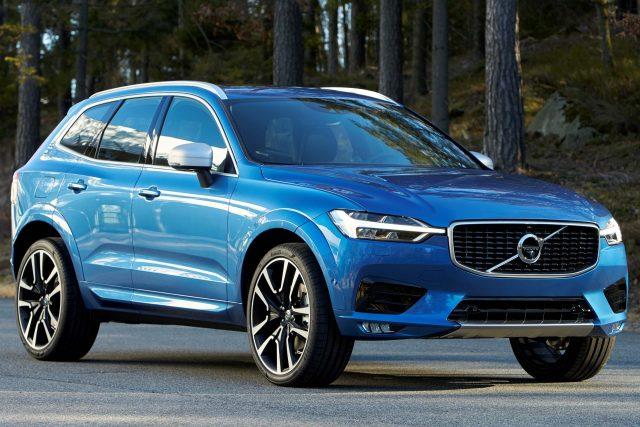 2018 Volvo XC60 R-Design - front, blue